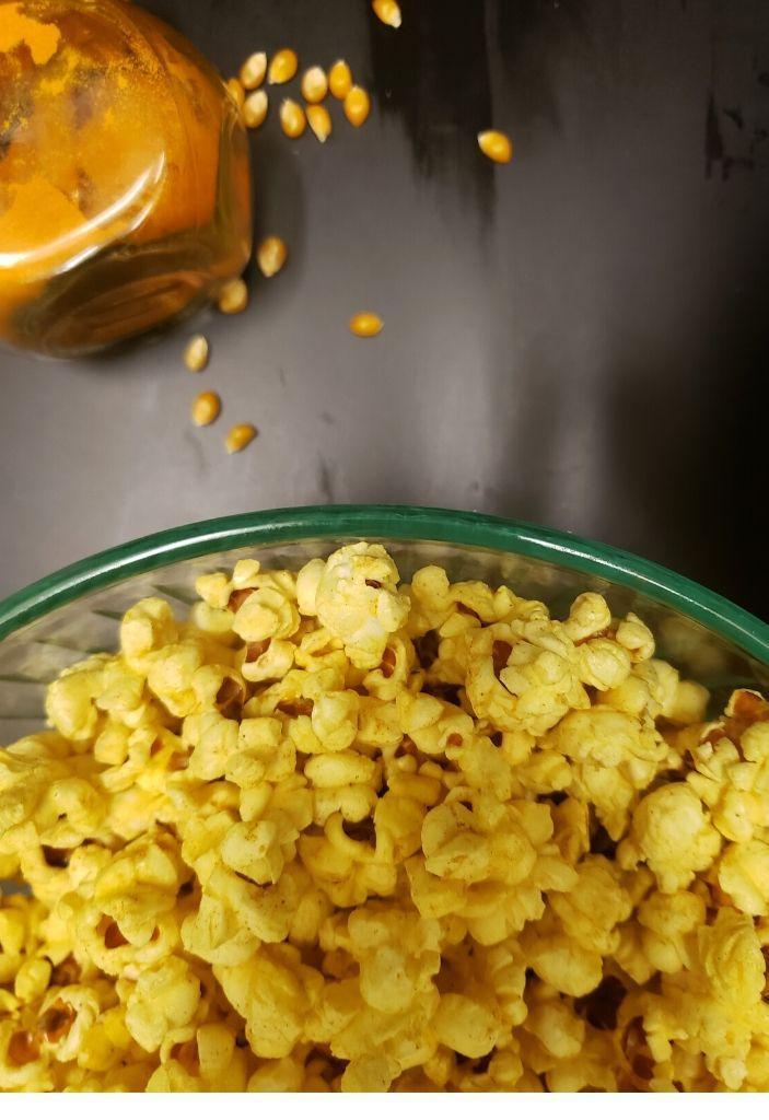 Instant pot turmeric popcorn vegan